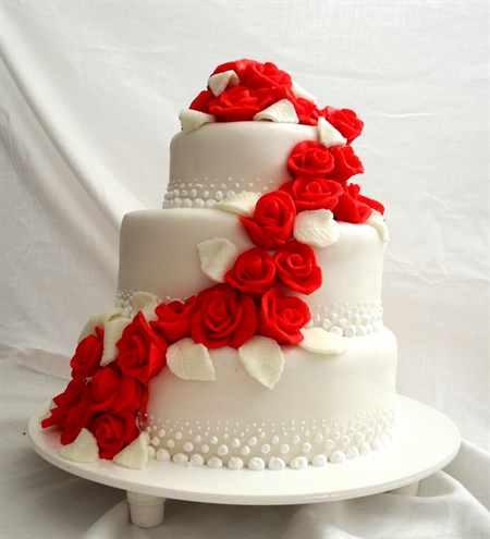 Торт на свадьбу красно белый