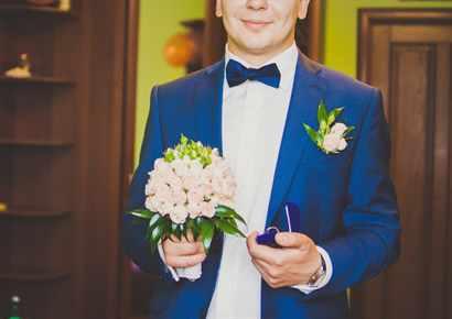 Фото женихов на свадьбе синий