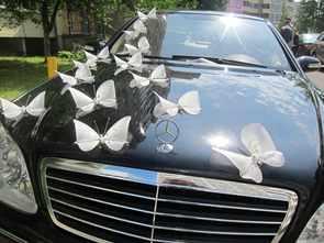 Оригинальное украшение машин на свадьбу своими руками