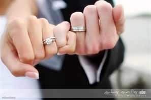 Кто покупает обручальные кольца на свадьбу - традиции и обычаи 345d5656e8d