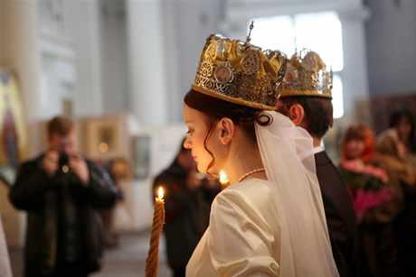 Nu vă căsătoriți în ziua de naștere a unuia dintre miri… Nu vă merge bine!