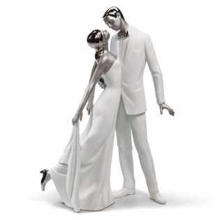 Свадебная фигурка из фарфора