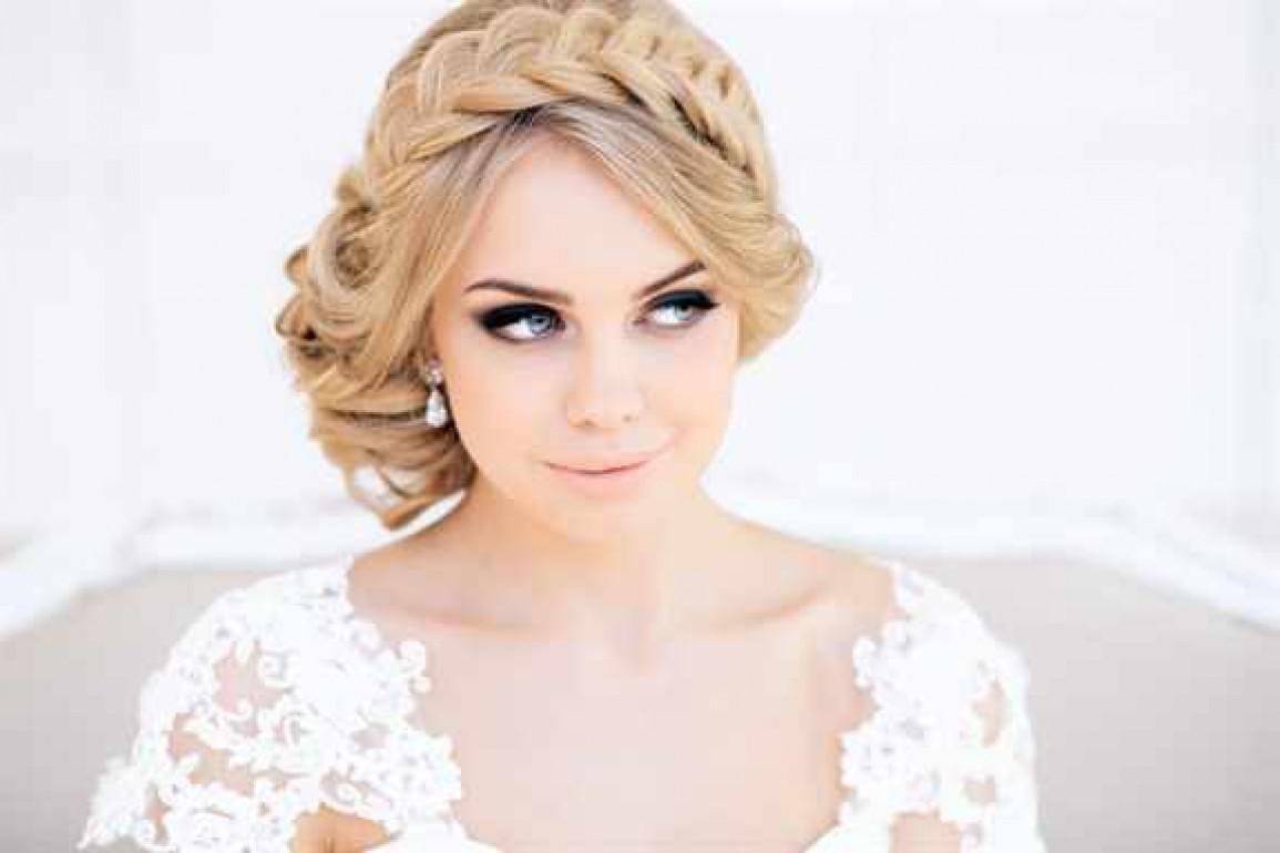 Причёски на свадьбу с челкой