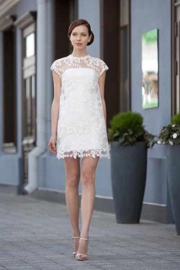 Короткое свадебное кружевное платье