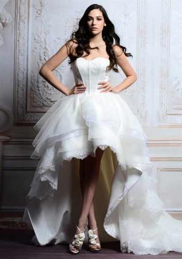Свадебные платья: спереди короткие сзади длинные