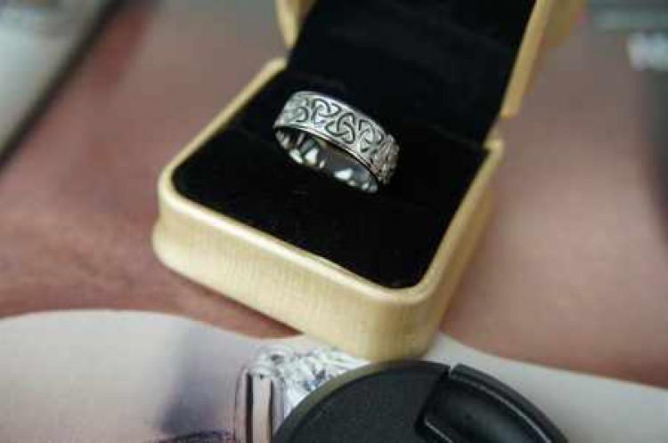 Обручальное кольцо из палладия