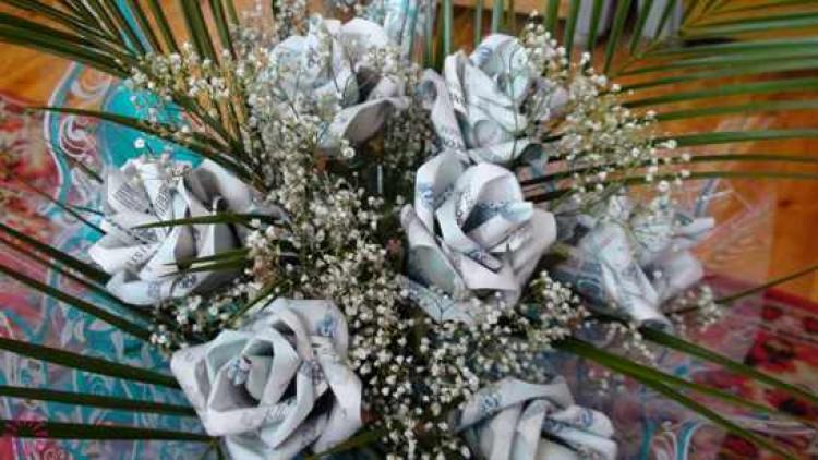 Букет из денежных цветов