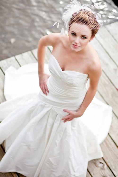 Прическа с фатой на свадьбу