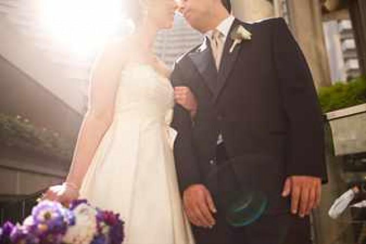 Атласное платье невесты