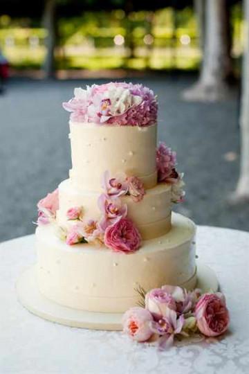Трехъярусный свадебных торт