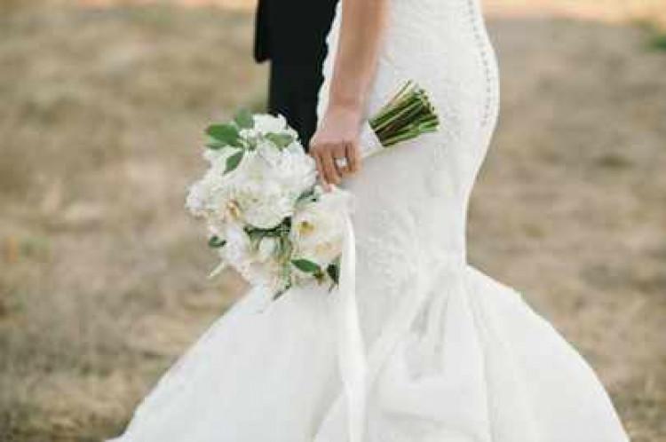 Платье русалка на невесте