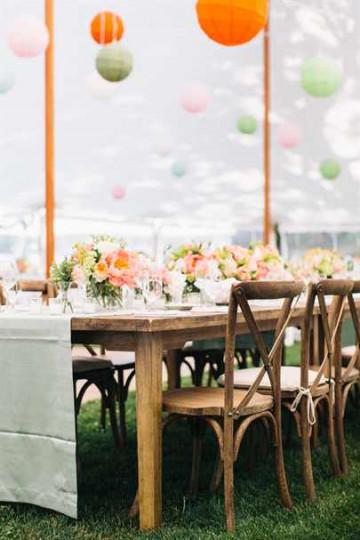 Украшенный свадебный зал шарами
