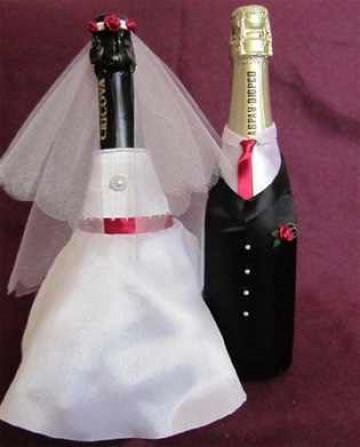 Одежда для шампанского на свадьбу своими руками