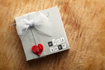 Подарки на бумажную свадьбу своими руками