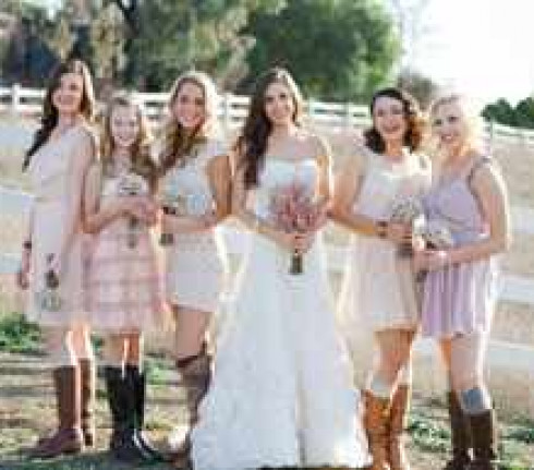 large_country-western-bridesmaids__full-carousel
