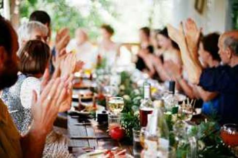 aromat-domashnego-vina-svadba-asi-i-filippa-1