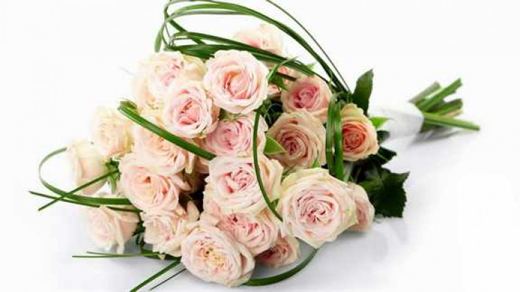 delicate-bouquet-of-rose