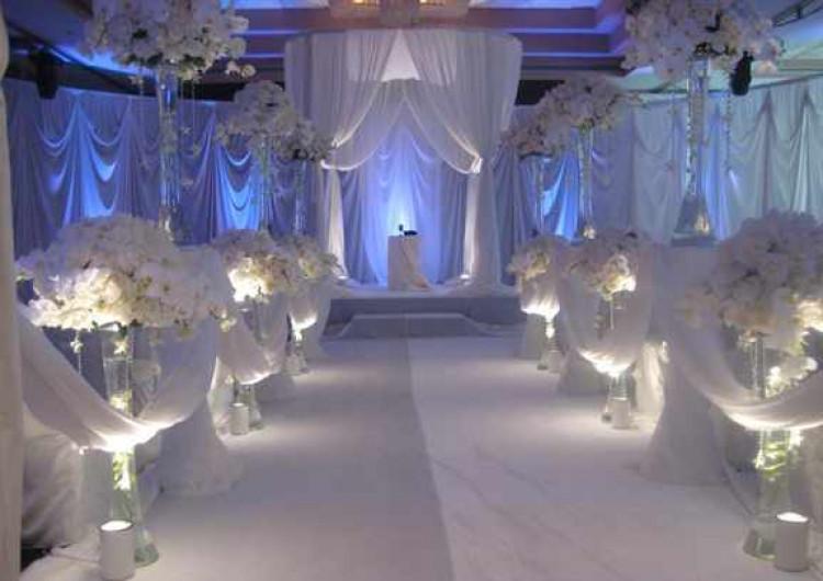 oformlenie-svadby-v-belyh-tonah