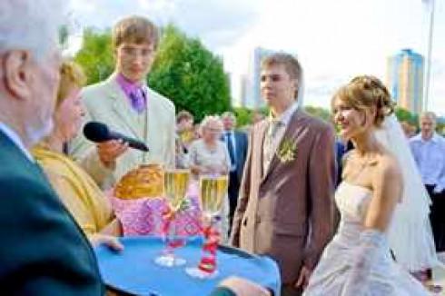 На свадьбе встреча с караваем слова