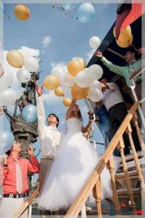 svadba-na-teplohode-shariki
