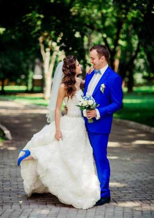 Можно ли невесте до свадьбы видеть костюм жениха