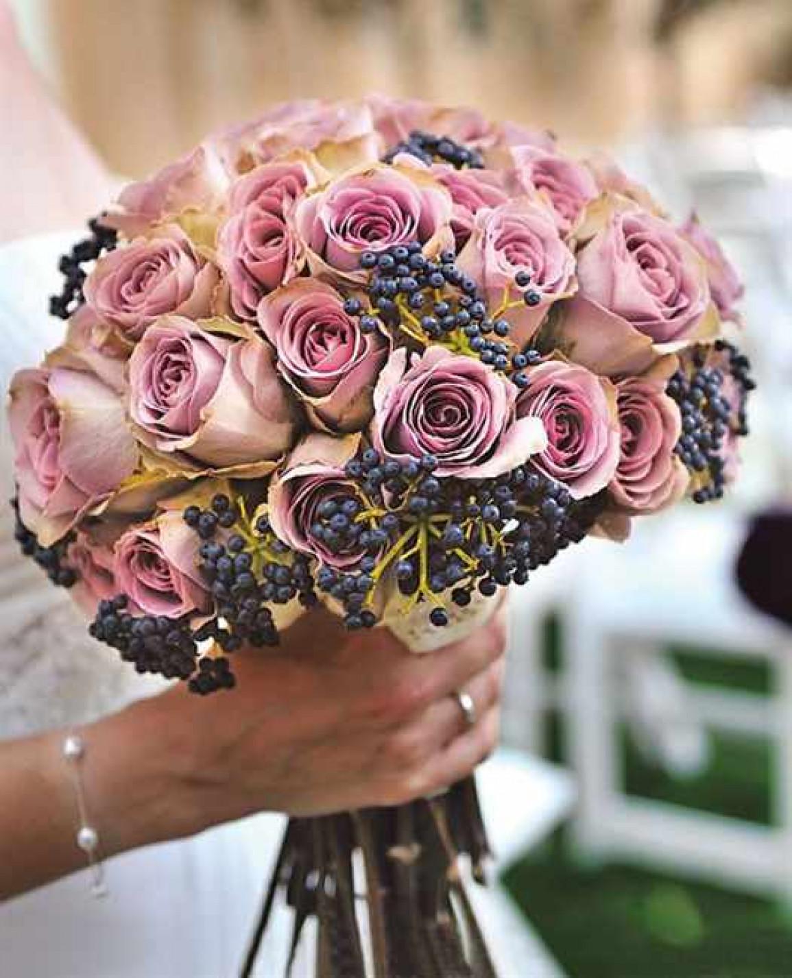 Свадебный букет с ягодами новые фото