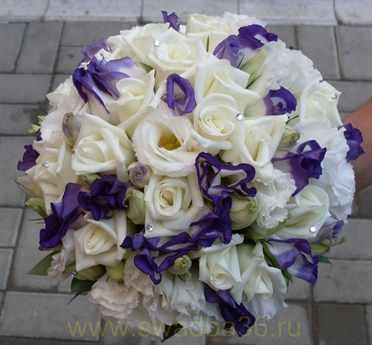 Свадебные букеты из эустомы - букет невесты из эустомы в Москве