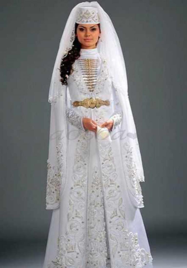 Национальные осетинские платье