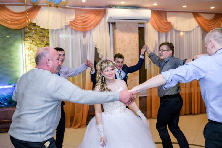 Сценарий вручение подарков на свадьбе