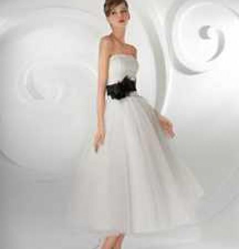 БАЗА ЗНАНИЙ  Стоит ли покупать свадебное платье, и какие еще есть варианты 79641eaa67d
