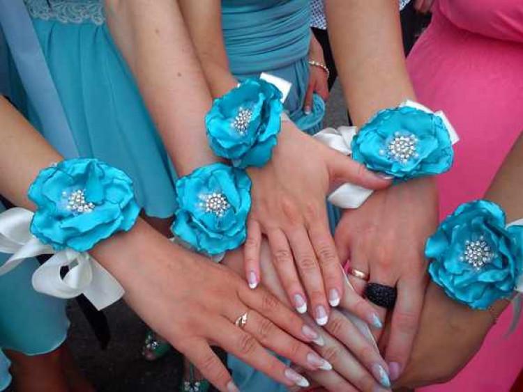 Браслеты для подружек невесты своими руками с цветами из лент своими руками